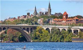 Washington Attractions - Key Bridge, Georgetown University Potomac River